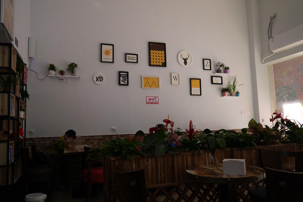 P1090856 甜品店